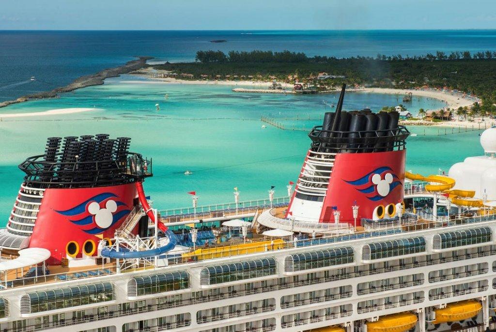 Navio da frota Disney Cruise Line
