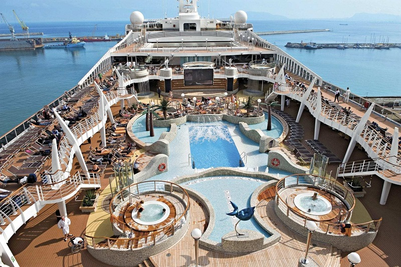 Piscina do MSC Fantasia