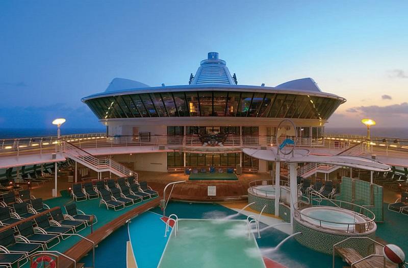 Piscina do navio Jewel of the Seas