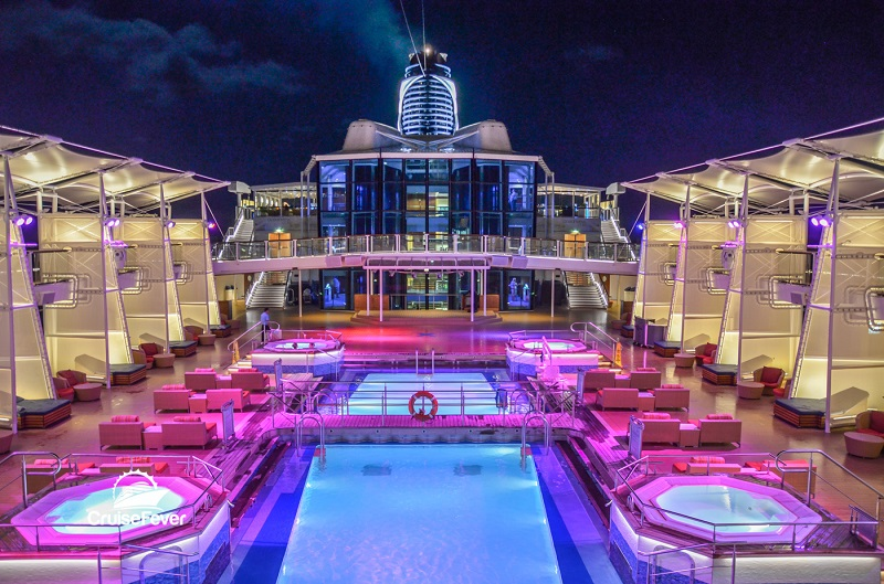 Piscina do navio Celebrity Silhouette